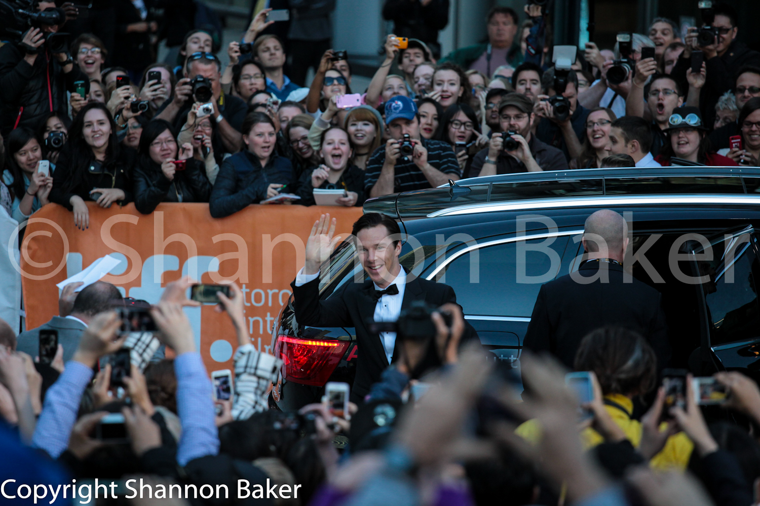 Image of crowd at Red Carpet in Toronto.